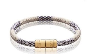 Factory Price High Quality brand design Key Holders Fashion Woman's Letter Leather bracelet M6607E M6138F M6139F M6140D