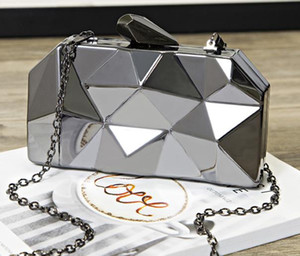 Designer Handbag 2020 Hot Fashion Female Bag Dinner Metal Hand Chain One Shoulder Messenger Small Square Banquet Bag