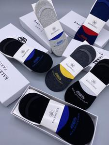 New sport socks Nesign Cotton Couple luxury designer Hot Athletic Socks for womens Fashion Cotton letters print 2020 splice breathable