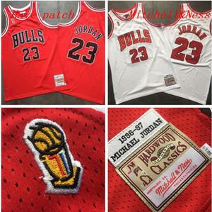 de homens de basquete ChicagoBulls23 MichaelJD Mitchell Ness 1996-1997 vitória final vermelho e branco Swingman Jersey 01