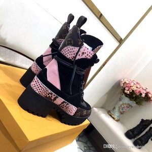 Top quality outdoor Fashion thick bottom Boots high quality Lace-up Ankle Boots Leather Martin Bootss Desert boots size 34-42