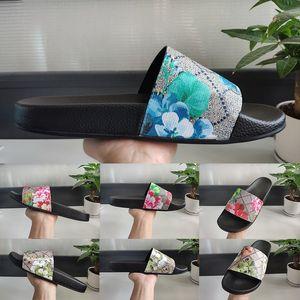2020 neue Ankunfts-Sommer-Art- und LuxuxMens Frauen Slide-Sandelholz-Plattform Bottoms Breitflach Slippery Dick Slipper Flip Flops Designer Schuhe