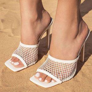 Женщины моды Марка Трусы площади Высокий каблук Classics ремешок сандалии дамы Элегантный Новый летний Bohemian Насосы Слайды