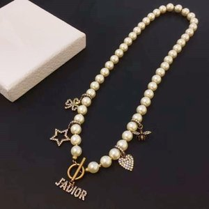 2020 European and American design custom designer necklace classic lion head pearl color diamond pendant