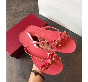 2020 Hococal New Summer Women Flip Flops Slippers Flat Sandals Bow Rivet Fashion Pvc Crystal Beach Shoes