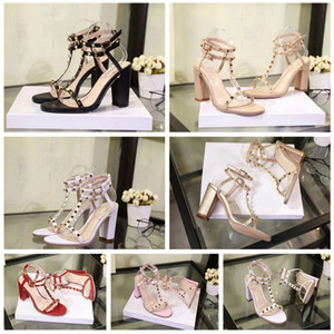 Yeni moda zarif yüksek topuk sandalet parlak Avrupa tarzı gece kulübü seksi yüksek topuklu rugan metal perçin ayakkabı boyutu 35-42