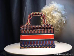 مصمم أزياء فاخرة حقائب امرأة حقائب محفظة الصغيرة قماش حمل عالية الجودة بالجملة الملونة طباعة شعار المراهنات حقيبة الفاصل حقيبة يد 28CM