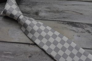 جودة عالية الحرير منقوشة الرجال ربطة عنق عارضة 8 سم خمر منقوشة التعادل الموضة التعادل الكلاسيكية هدية مربع 18 أسلوب V99-05