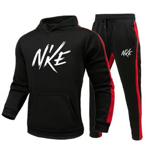 mens 2020SS delle donne dei tuta Designer Sport invernale abiti da uomo tuta giacche cappotto dell'uomo Hoodie + pantaloni felpa Nuova stampato nero sportivo