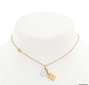 Hot style fashion design V letter glossy double tag color necklace ladies foreign trade choker