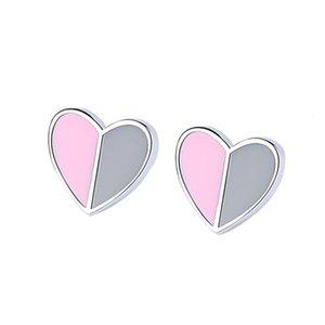 D S925 Сердца стерлингового серебра 9 тонну влюбленности Серьги стержня женские Сладкие милые формы сердца Эпоксидная смола сшивающие контрастные серьги Серьги прямых продаж