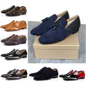 Los hombres de moda desgaste remache zapatos formales de diamantes de imitación zapatos de boda azules marrones estilo de la universidad en punta del dedo del pie negro mate pequeños zapatos de cuero británicos