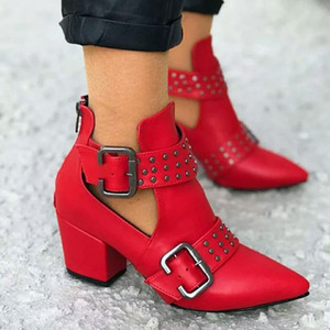 Womens Tornozelo Hot Red inferior Botas Sexy Rivet Curto Botas Outono Nova Belt Buckles Escritório Bombas elegantes para senhoras Salto Alto dedos apontados