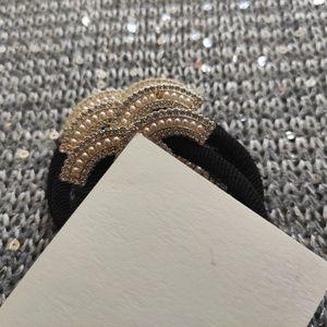 VIP 종이 카드와 먼지 봉투와 진주 라인 석 파티 기념품 새로운 패션 MATEL C 형 머리 헤어 액세서리 패션 넥타이