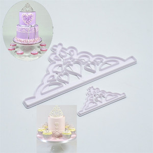 Bir Taç Die Baskı Pişirme Kalıpları Diy Kek Dekorasyon Bisküvi Kalıp Çerezler Plastik Cutting Tools 2PS 1 4hr D2