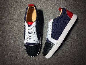 Brand progettista Luxury Mens Red Bottoms Shoes Xshfbcl Studded Spikes Low Flats Casual Sneakers For Men Wedding Party Dress Leather
