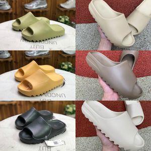 2020 Kanye West Köpük Runner Terlik Sandal ayakkabı erkekler Kadınlar Plajı Üçlü Siyah Beyaz Kırmızı Çöl Kumu Kemik Reçine Moda Slaytlar Ayaklı Sandalet