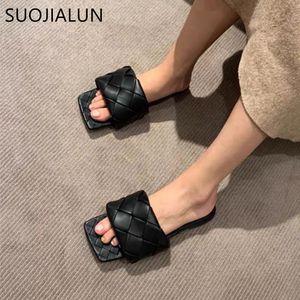 SUOJIALUN 2020 femmes Diapositives récent bout carré plat Weave Chaussons Marque Designer Outdoor Summer Slipper femmes sandales de plage T200713