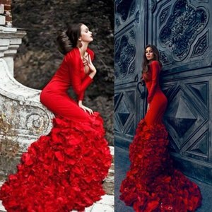 Cheap Long Sleeves Evening Dresses V Neck Tiered Ruffles Red Prom Gowns Sweep Train Spring [Plus Size Formal Party Dress 2020
