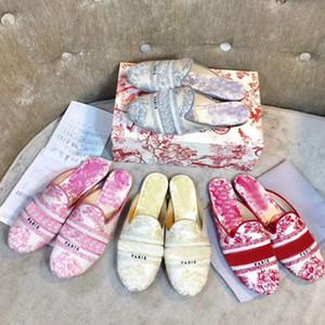 Sandales d'été femme luxe de la mode pantoufles lettres cuir Baotou Designer Lazy chaussures plates Hôtel Tongs grande taille 35-41-42
