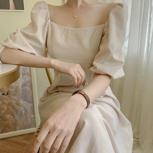 Zu 2020 Sommer-Backless Baumwollleinen Weibliches Kleid Vintage-Laterne-Hülsen-Quadrat-Kragen-Frauen-Kleid A-line Vestidos femme