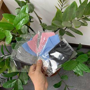مصمم الحرير وجهه قناع الجليد قناع حزمة الفردية الوجه الغلاف PM2.5 20PCS صنف الغبار قابل للغسل قابلة لإعادة الاستخدام أقنعة سوداء طفل الكبار أقنعة الوجه