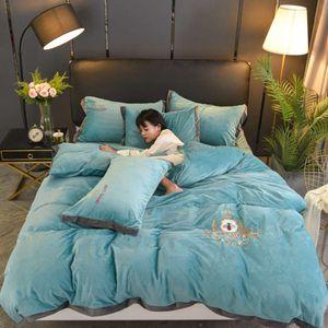 Luxury designer creative design classic 3D printing signage V bedding set 4 pieces 1 set Home Textiles Bedding Supplies