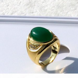 A Women &#039 ;S Large Vintage 18 K Solid Yellow Gold Green Agate Stone Sweethearts Ring Side Round Cut A +Cz Plated Brass