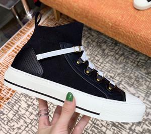 2021 Neue Ankunft Frauen Walking Sneaker Blau Schräg Technische Mesh Sneakers Klassische Plattformschuhe GRILS Lace-up-Trainer mit Box