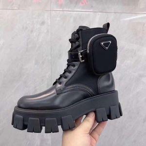 Designer de inicialização Oblique Explorador do tornozelo para as mulheres Mens bezerro Leanther Martin botas de plataforma botas de inverno Sapatilhas superiores altas com caixa