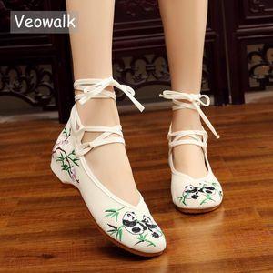 Veowalk Panda Вышитые женщин вскользь Canvas балетки лодыжки ремень дамы китайский хлопок Вышивка обувь Женщина Балетки