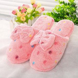 Inverno Mulheres Chinelos desenhos animados bowknot indoor chinelos Início sapatos quentes Adult Shoes Plush Pantufas com Bowtie Loafers