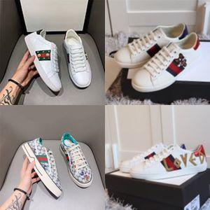 Erkek Moda Sneakers Kamuflaj Kamuflaj Rockrunner Trainer Dantel Deri Günlük Ayakkabılar Lüks Erkekler Ayakkabı Üst Tasarımcı C22 02 # 217