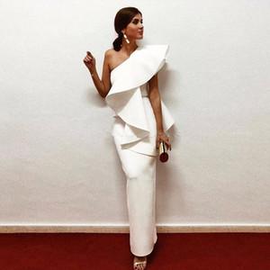 2020 Elegant White Evening Dresses One Shoulder Ruffle Satin Sheath Floor Length Saudi Arabic Prom Dresses Evening Gowns Zipper Up