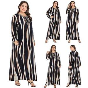 Этнические мусульманская нашивки Цветочные печати Женщины платье Длинные Maxi Сыпучие Vintage Кафтан Dubai джилбаба Сыпучие Повседневный длинным рукавом Плюс Размер Новый