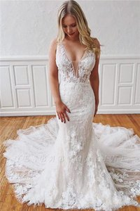 2020 Beach Weddign Dresses Mermaid V Neck Sleeveless Sweep Train Bridal Gowns With Lace Applique Detachable Train Weddign Gowns