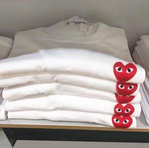 manga curta Men Fashion Designer Jogo Camiseta coração vermelho Commes Esporte mulheres Camiseta Des Garçons Branco algodão bordado CDG Verão Tee topo