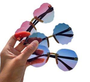 Güneş gözlüğü Çocuk Güneş Gözlükleri Çerçevesiz Kızlar Sunglasse Gradient Renk Boys Gözlükler Moda Erkekler Kızlar Gözlük Shades Plaj Gözlük LSK465