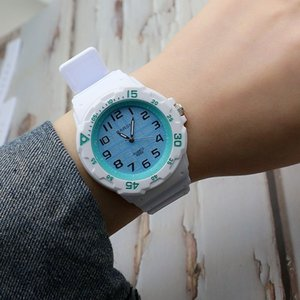 Best-selling digital scale student exam simple silicone tape quartz watch for boys and girls Korean new fashionable women watch