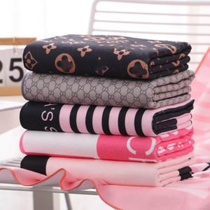 Лето Quick Dry Женщина пляжного полотенца Мода Письмо Printed брачной Ванна Полотенце Оптовые микрофибры девушка длинные Полотенца подарки Наборы 2020 новые