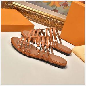 럭셔리 디자이너 슬리퍼 여성 샌들 우수한 품질 패션 슈퍼 스타 클래식 캐주얼 슬리퍼 모래 플립 평면 크기 35-42With 상자 퍼