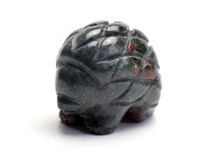 1.5 polegadas de comprimento Small Size Natural Blood Stone Carved Cristal Reiki Hedgehog Statue