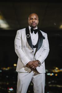 White Wedding Suits for Men Shawl Lapel Costume Mariage Homme Blazer Jacket Men Tuxedos Groom Suits Prom Suits 3 Piece Coat+Vest+Pant