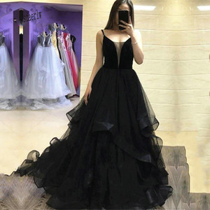 Gothic Design Black Wedding Dresses A Line Spaghetti Straps Corset Back RufflesTiered Tulle Skirt Bridal Gowns Vestidos De Noiva
