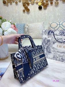 men handbags italian high quality french hand The single shoulder bag