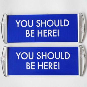 Free Fast Shipping Stock вы должны быть здесь синий знак Ручной скроллинг двойной стороне печати Баннер Баннер Баннеры Украшение DHD460