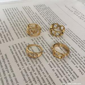 D 편지 진주 다이아몬드 반지 여성의 3 층 틈새 디자인 간단한 패션 디스플레이 개인화 된 팔찌