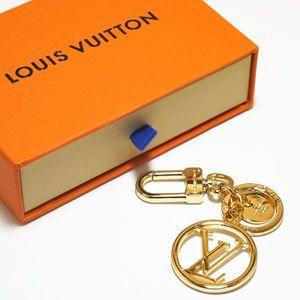 Nefis dört yapraklı çiçek lüks mektup çoklu kolye çanta çekicilik moda anahtarlık kutusu Anahtarlık