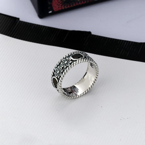 Mejor venta de plata Placa simple anillo de estilo retro anillo Integral de la pequeña flor que talla el anillo de tendencia de alta calidad de la joyería de suministro
