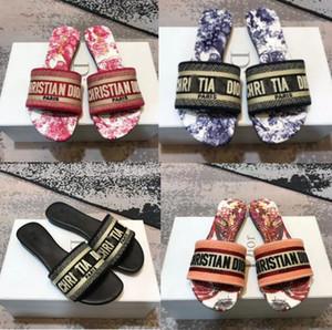 2020 Dior pantofole floreali delle donne di vibrazione di estate della femmina flop fiori pantofole sandali in pvc Camellia Jelly scarpe da spiaggia scarpe 36-41